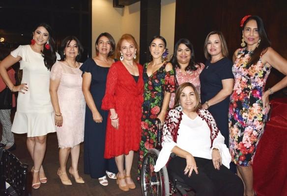 Claudia de Rodríguez, Guadalupe Argueta, Ena Borjas, Rebeca Verdial, Audrey Verdial, Jackeline del Arca, Karina de Argueta, Pily Verdial y