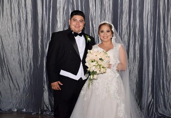 Johana y Gabo eligieron los outfit nupciales perfectos para su enlace matrimonial