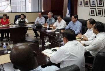 """Empresarios del norte se reúnen con diputados de Cortés y les piden """"actuar por el bien de Honduras"""""""