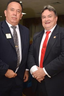El vicegobernador Arnold Lara y el jefe de región Javier Santos.