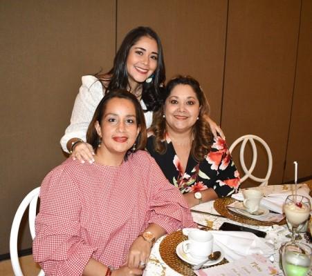 Ethel Mejía, Lena Bueso y Ethel Figueroa