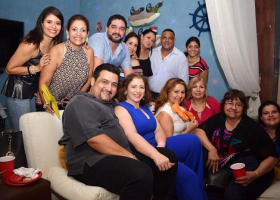 Familiares y amistades de doña Margarita Kawas de Tejada se reunieron para festejar su cumpleaños