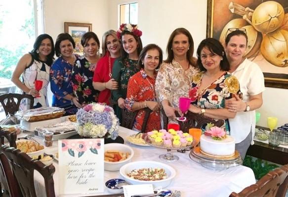 Fue una tarde inolvidable en la que compartieron las delicias culinarias elaboradas por las anfitrionas.