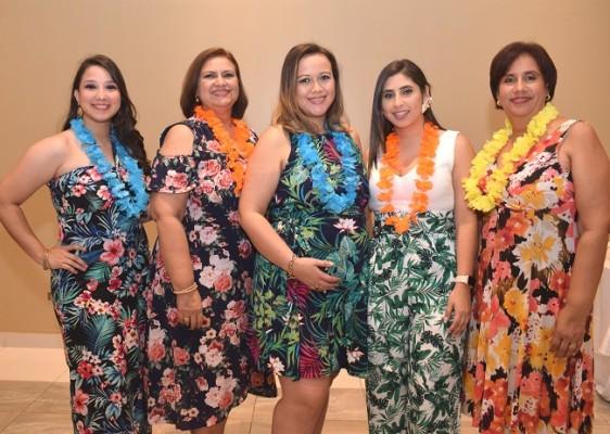 Gabriela Martínez, Arely Díaz, Diana Sánchez de Cárdenas, Andrea Zelaya y Roxana Díaz