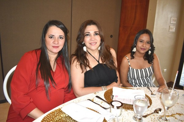 Iliana Rivera, Karina Ávila y Fanny Ramos