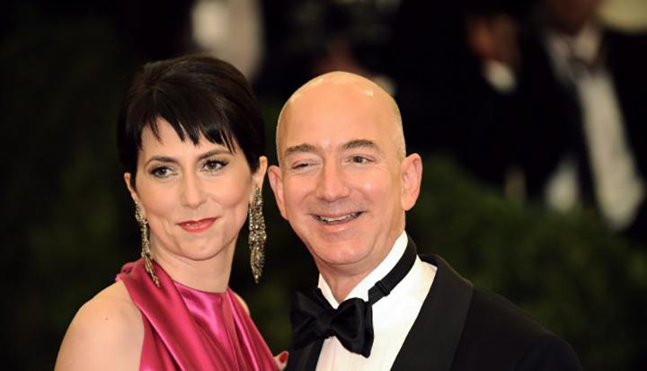 Jeff Bezos pone fin a su divorcio con un acuerdo por 38.000 millones de dolares