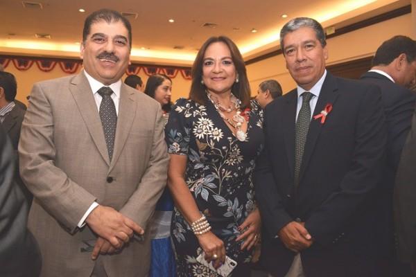 Jorge Faraj, María Elena Sikaffy de López y Orlando Corredor.