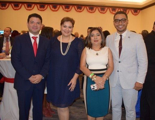 Kamal Diek, Elisa Pineda, Ester Amaya y Kelsey David