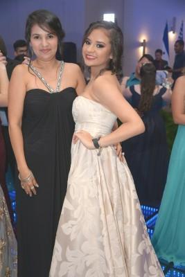 Karen Rodríguez y Giselle Bravo.