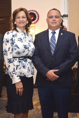 Karen y Armando Calidonio