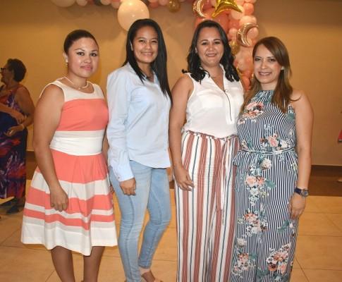 Kimberly Garay, Aryanis Lizardo, Karen de Murillo y Yazmin Sánchez