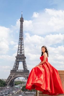 La bella Isabella arribó a sus quince años y celebró con un tour por Europa en compañía de su especial mami, Chely y familiares.