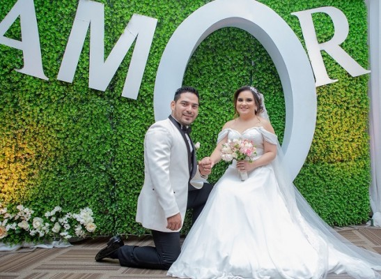 La boda de Yelsin & Andrea