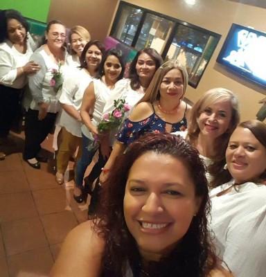 La generación 1985 del Instituto Acasula se reunió para celebrar su aniversario de graduación en Tacontento...Para esta especial ocasión, viajaron Victoria Henriquez de El Cairo, Egipto y Olga Rodriguez de New York