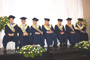 Instituto Trilingüe San Juan Bautista gradúa nuevos profesionales