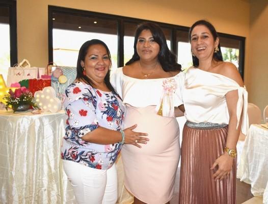 Martha de Calderón, Karen Gutiérrez de Hernández y Nohelia Bautista