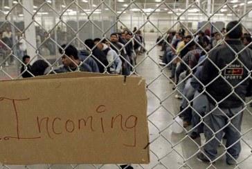 """Gobierno de EEUU pretende alquilar propiedades en tres estados como """"refugio permanente"""" para niños inmigrantes"""