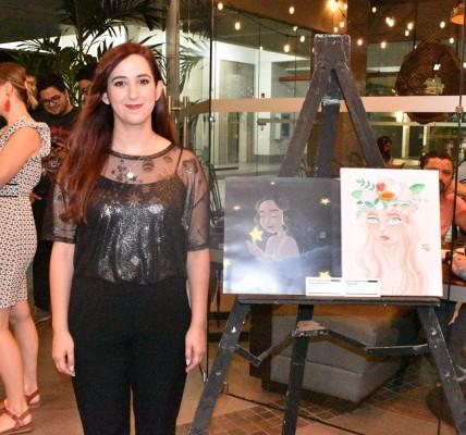 Nur Adriana se destacó por su fresco concepto al pintar
