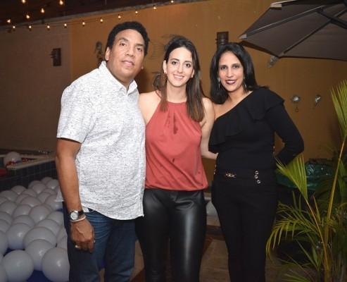 Onías Peralta, Andrea Tejada de Peralta y Ana Lucía García