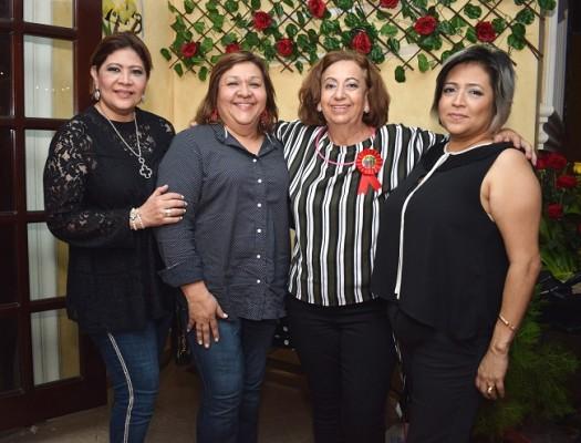 Patty González, Mariely Morales, Margarita Kawas de Tejada y Cinthya González