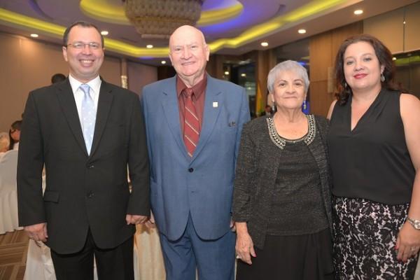 Reynaldo Ekónomo, Ricardo Funes, Lourdes de Funes y Gracia María Mejía