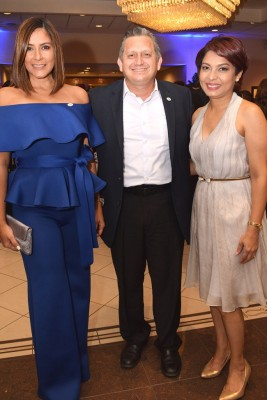 Ruth Arita, Eduardo Enamorado y Alejandra de Mejía.
