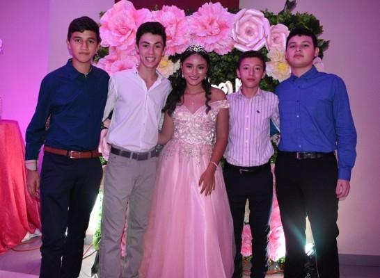 Sergio Sánchez, Mateo Márquez, Astryd Carolina Morataya Álvarez, Sebastian Perla y Anthony Valenzuela