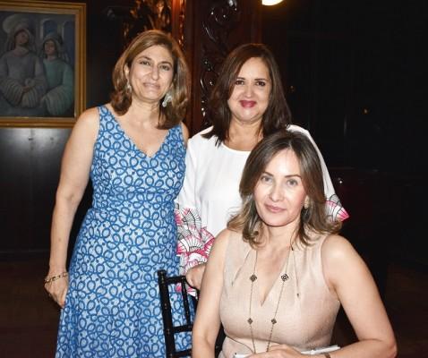 Yadira Andonie, Ileana Rodriguez de Soto y Nadia Benitez