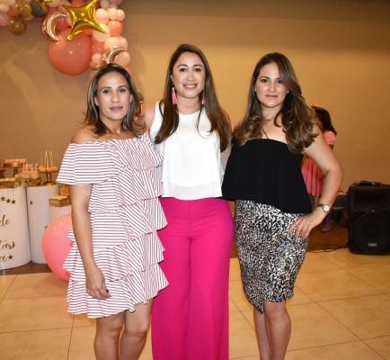 Zeida Montoya, Montserrat Hernández y Melissa García