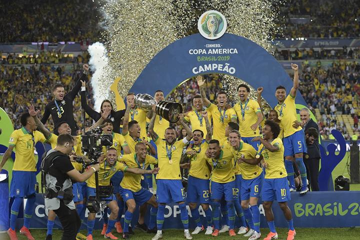 Brasil demostró autoridad en casa y se corona campeón de la Copa América al derrotar 3-1 a Perú
