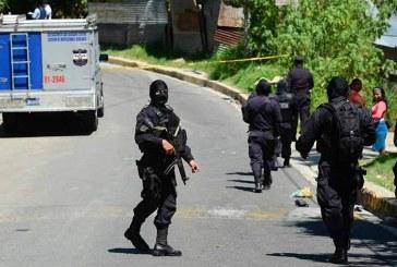 Condenan a cinco policías y a cuatro militares a seis años de prisión por tortura en El Salvador