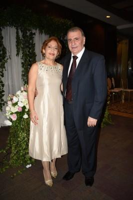 Afaf Hodali de Dawave y su esposo, Nabil Dawave