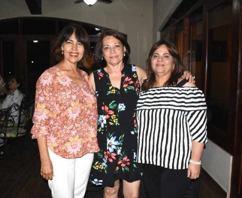 Aida Espinal, Vera Castro y Lizeth de Castro