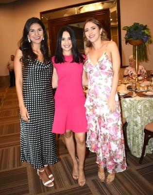 Ana Sofía Ordoñez, Ana Cristina Soto y la hermana de la novia, Erika Andonie