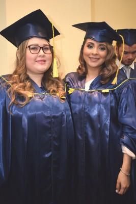 Belinda Henríquez y Brenda Cardona.