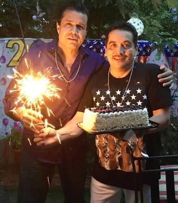 Carlos Chahín y Antonio Barrera celebrando su cumpleaños