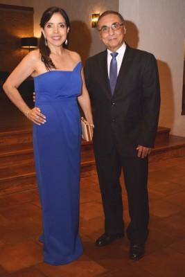 Carol y Enrique Samayoa.
