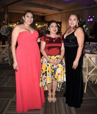 Cinthia Amaya, Esther Amaya y Sulma Amaya