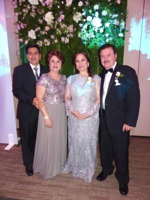 Clemente Flores, Aura Flores, Diana Verdial y Gustavo Mejía