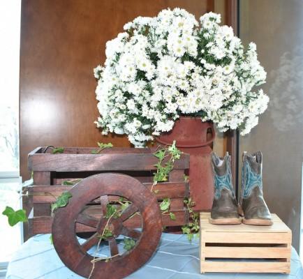 Elementos handmade fueron incorporados estrategicamente en la ambientación del salón