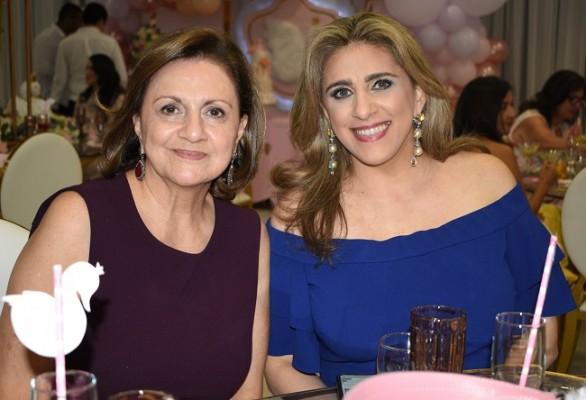 Diana de Handal y Lorena de Kattan
