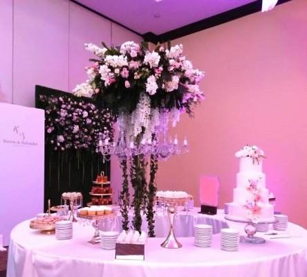 El exquisito candy bar encanto a todos y el pastel de bodas fue creación de Hanan´s Bakery.