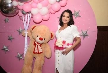 Tierna celebración en rosa para Gaby