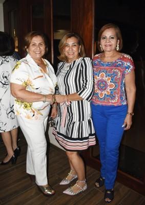 Gloria Galeano, Mirta Álvarez y Esperanza de Zuniga