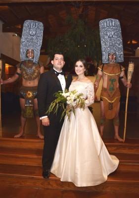 Andrea y Gustavo se embarcan en una romántica y exótica luna de miel teniendo como destino la isla de Bali en Indonesia.