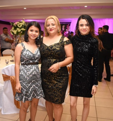 Helen Pérez, María Pineda y Keren Rivera
