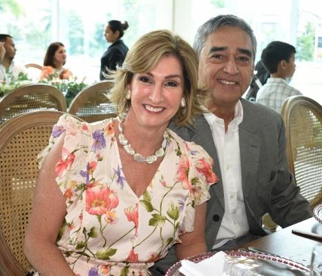 Irma y José Molina