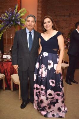 José Alfredo y Maribel Hernández.