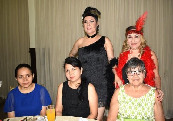 Karen de López, Martha de Robles, Ana Sánchez, Suyapa Sánchez y Carmelina de Robles