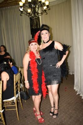 Karen de López y Martha de Robles